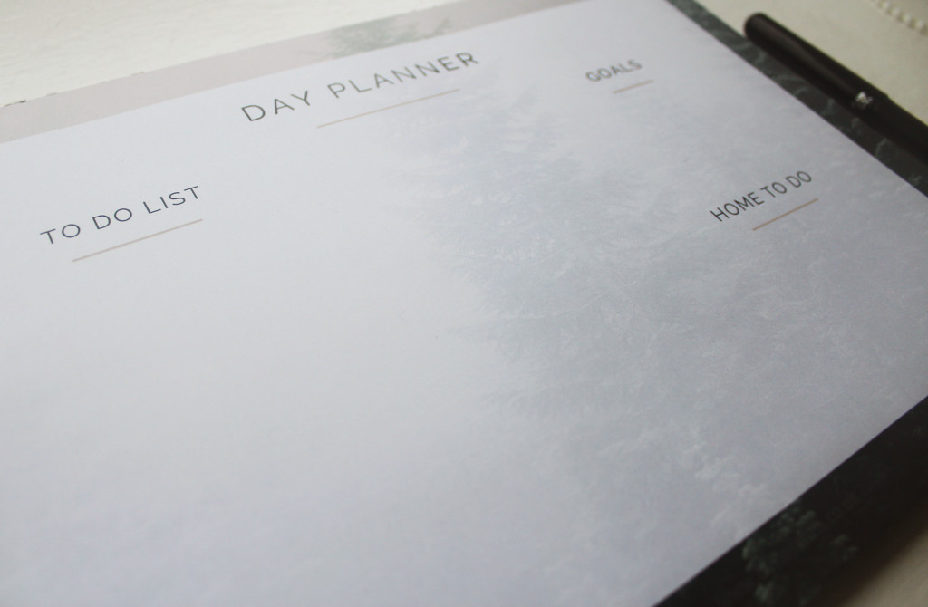 Daily Desk Planner giveaway!