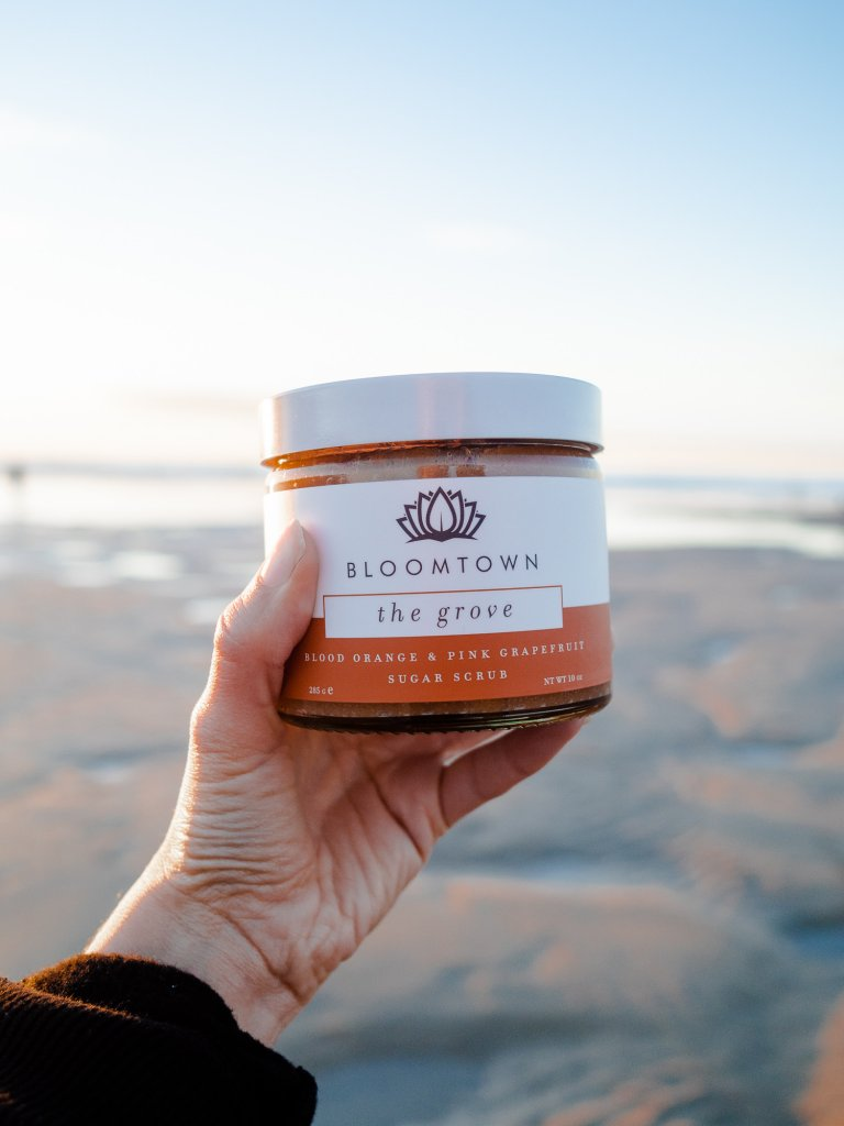The Grove sugar scrub - palm oil free