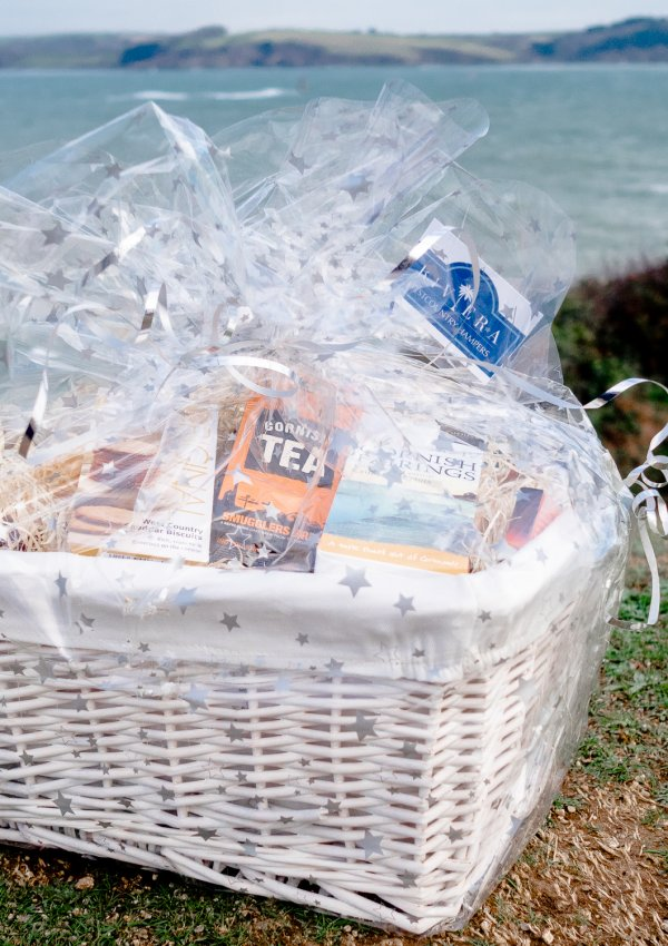 Riviera West Country Hampers Review: A Cornwall Foodie's Dream Gift