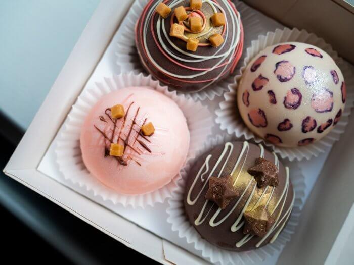 Cake Jmo chocolate bombs